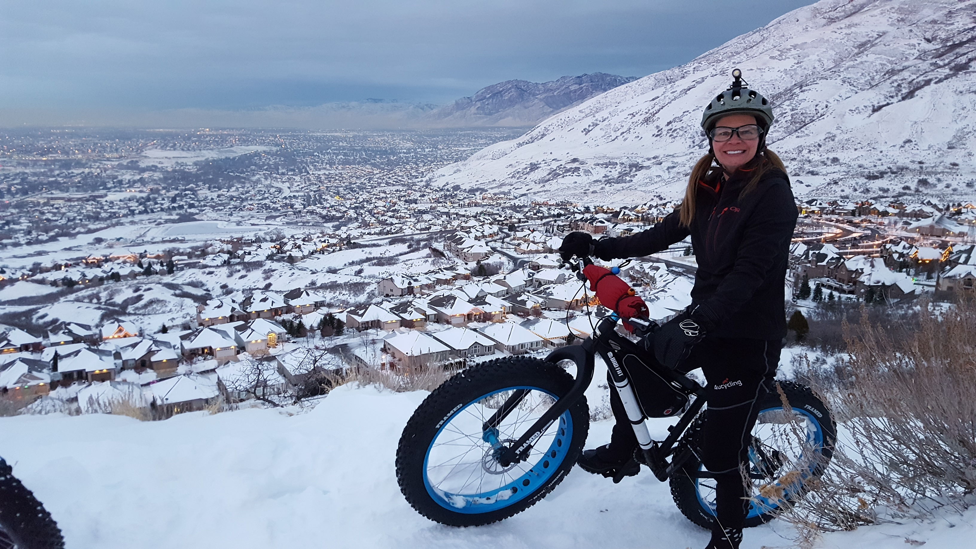 fat biking in the snow with bungie ball ties