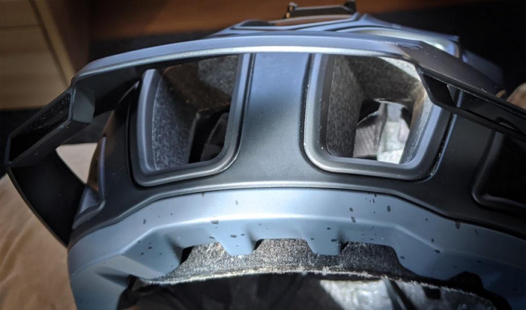Altec helmet venting evaporation